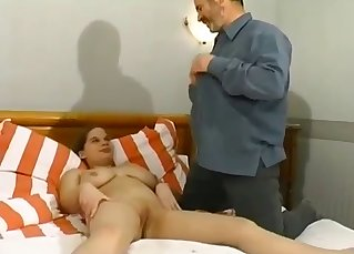 Dirty daddy fucks his daughter's face