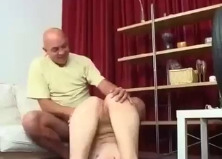 Uncle licks a pussy of a sexy niece