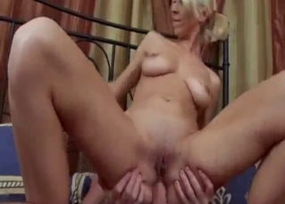 Blonde niece fucks with uncle as she love