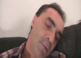 Daddy gets sucked by his lovely daughter