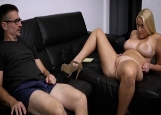 Busty auntie sucks my daddy on sofa