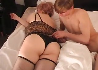 Son cums a nice load on his mom's cunt