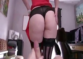 Beauty relative shows off her sweet butt